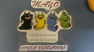 Familia de contenedores para reciclar