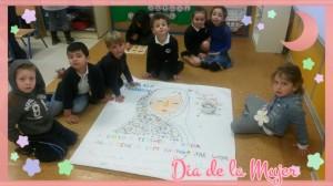 La clase de 4 años realizando el mural de Malala,